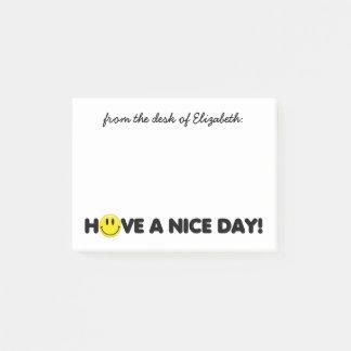 Niedlicher gelber smiley personalisiert post-it klebezettel
