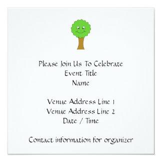 Niedlicher glücklicher grüner Baum. Auf Weiß Quadratische 13,3 Cm Einladungskarte
