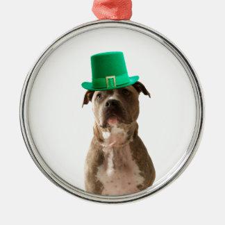 Niedlicher Gruben-Stier-Hundehut-St Patrick Tag Rundes Silberfarbenes Ornament