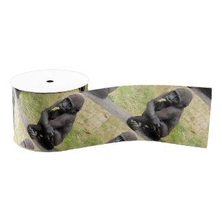 Niedlicher junger Gorilla Ripsband