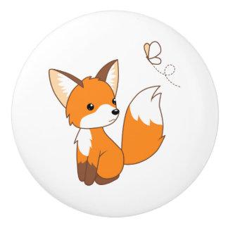 Niedlicher kleiner aufpassender Schmetterling Fox Keramikknauf