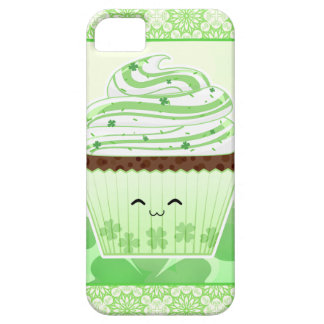 Niedlicher kleiner Kuchen kawaii St. Patricks iPhone 5 Hülle