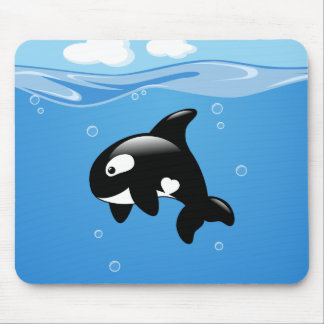 Niedlicher kleiner Orca-Wal im Ozean Mousepad