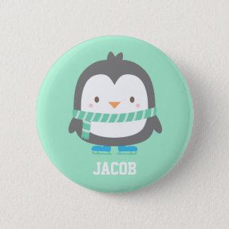 Niedlicher kleiner Penguin mit Winter-Schal für Runder Button 5,7 Cm