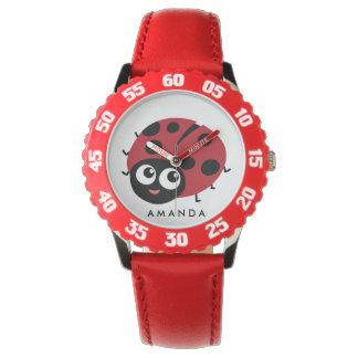 Niedlicher kleiner roter Marienkäfer Uhr