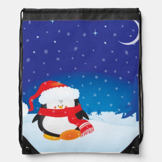 Niedlicher kleiner Weihnachtspenguin Sportbeutel