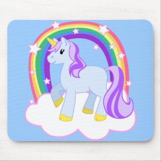 Niedlicher magischer Unicorn mit dem Regenbogen (k Mauspads