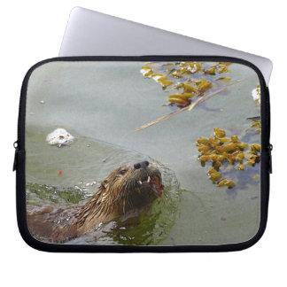 Niedlicher Otter-Entwurf für Tier-Liebhaber Laptop Sleeve