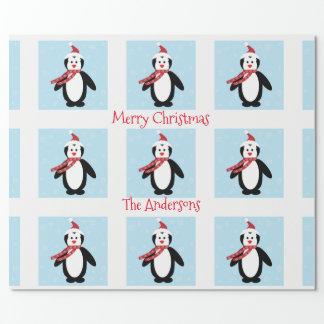 Niedlicher Penguin in einem Geschenkpapier