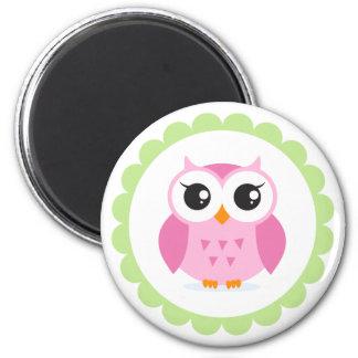 Niedlicher rosa Eulen-Cartoon innerhalb der grünen Runder Magnet 5,7 Cm