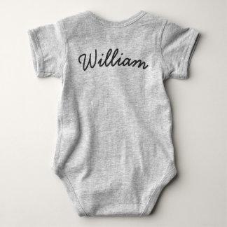 Niedlicher Schlafenpenguin-Babybodysuit mit Namen Baby Strampler
