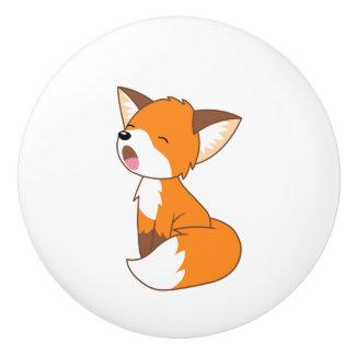 Niedlicher schläfriger kleiner Fox Keramikknauf