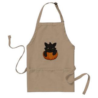 Niedlicher schwarze Katzen-Kürbis, der Schürze