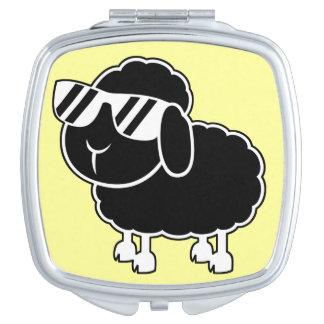 Niedlicher schwarze Schaf-Cartoon Schminkspiegel
