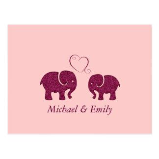Niedlicher trendy Elefant in der Liebe Postkarte