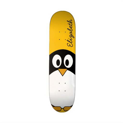 Niedlicher und moderner CartoonPenguin Personalisiertes Skateboarddeck