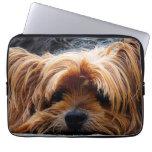 Niedlicher Yorkshire-Terrier-Hund Computer Schutzhüllen