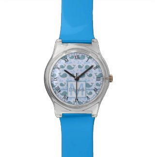 Niedliches Blauwal-Monogramm-Muster Uhr