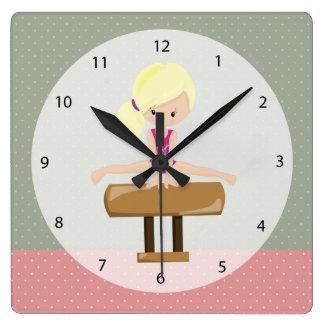 Niedliches Gymnastikmädchen Uhren
