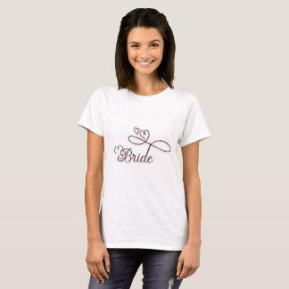 Niedliches Herz-mit Buchstaben gekennzeichnetes T-Shirt