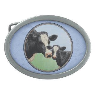 Niedliches Holsteinkalb-u. -kuh-Himmel-Blau Ovale Gürtelschnallen