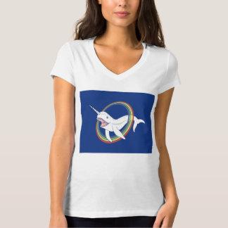 Niedliches Horn Narwhal mit Regenbogen-Cartoon T-Shirt