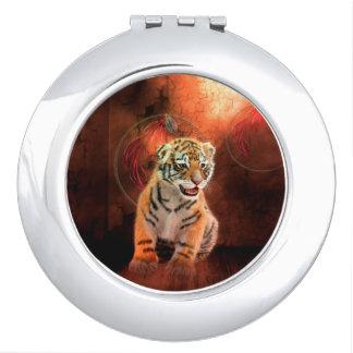 Niedliches kleines Tigerbaby Schminkspiegel