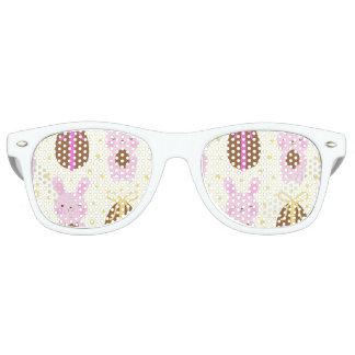Niedliches Osterhasen- und Schokoladeneimuster Sonnenbrille