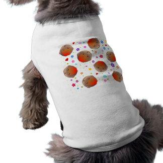 Niedliches Rotkehlchen- und Blumenmuster T-Shirt