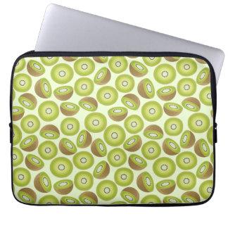 Niedliches Schnitt-Kiwi-Muster Laptop Sleeve