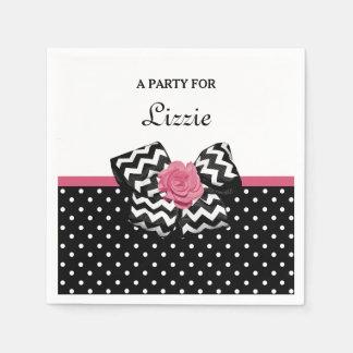 Niedliches Schwarzes punktiert rosa Rosen-Zickzack Papierserviette
