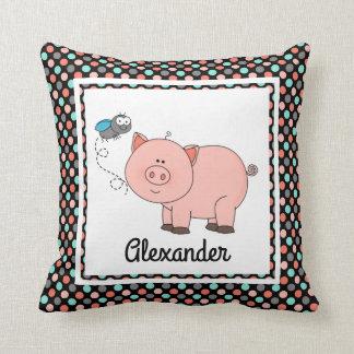 Niedliches Schwein auf schwarzen w-Farben, Kissen