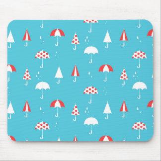 Niedliches und Spaßregenschirmmuster Mousepad