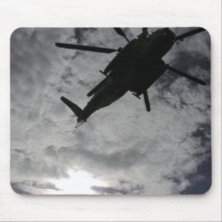 Niedrige Winkelsicht eines CH-53E Mauspads