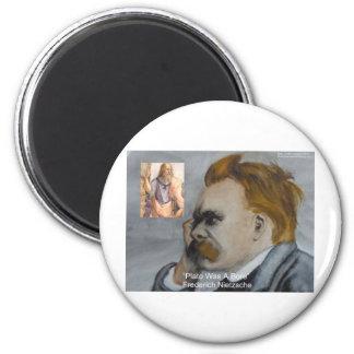 "Nietzsche ""Plato=Bore"" Runder Magnet 5,7 Cm"