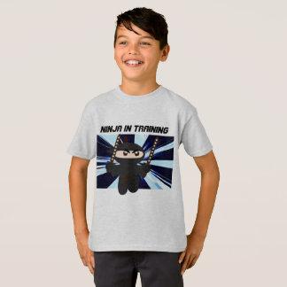 NINJA SCHERZT T-SHIRTS, NINJA IM T-Shirt