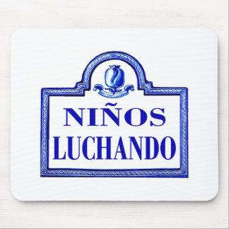 Niños Luchando, Granada-Straßenschild Mousepads