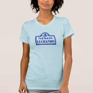 Niños Luchando, Granada-Straßenschild T-Shirt