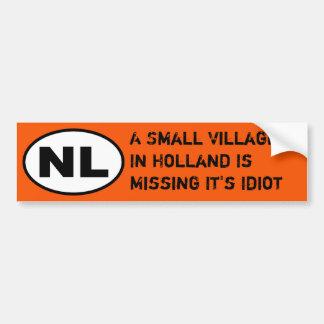NL-Aufkleber - vermisster Dorf-Idiot Autoaufkleber