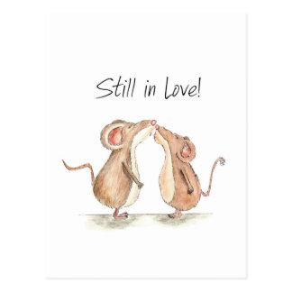 Noch in der Liebe - zwei niedliche küssende Mäuse Postkarte