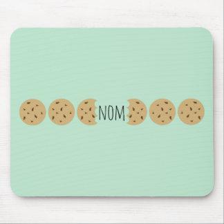 """Nom"" das Choc Chip-Plätzchen Mousepad"