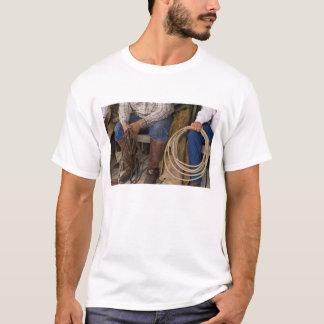 Nordamerika, USA. Cowboys Entspannung und 2 T-Shirt