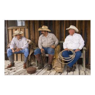 Nordamerika, USA. Entspannende Cowboys und Fotografische Drucke