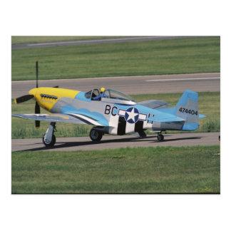 Nordamerikanisches P-51 D, das Donna auf blendet Postkarte