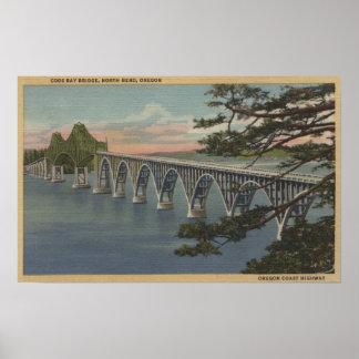 Nordbiegung, Oregon - Gurren-Bucht-Brücken-Ansicht Poster