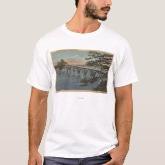 Nordbiegung, Oregon - Gurren-Bucht-Brücken-Ansicht T-Shirt