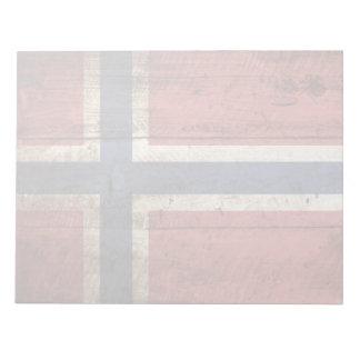 Norwegen-Flagge auf altem hölzernem Korn Notizblock