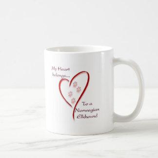 Norweger Elkhound Herz gehört Kaffeetasse