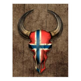 Norwegischer Flaggen-Stier-Schädel auf hölzernem Postkarte