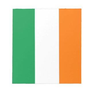 Notizblock mit Flagge von Irland